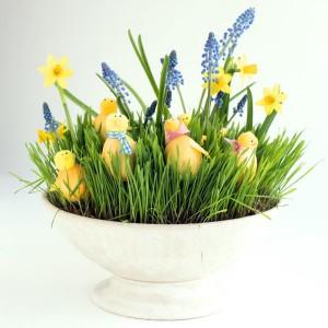 paasdecoratie knutselen narcissen eieren kuikentjes schaal