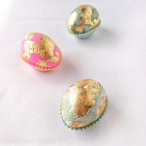 paadecoratie knutselen eieren goudkleurig