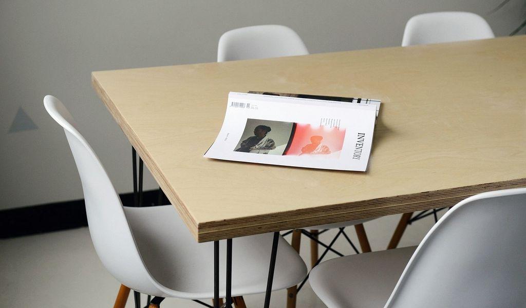 werkplek inrichting design stoelen